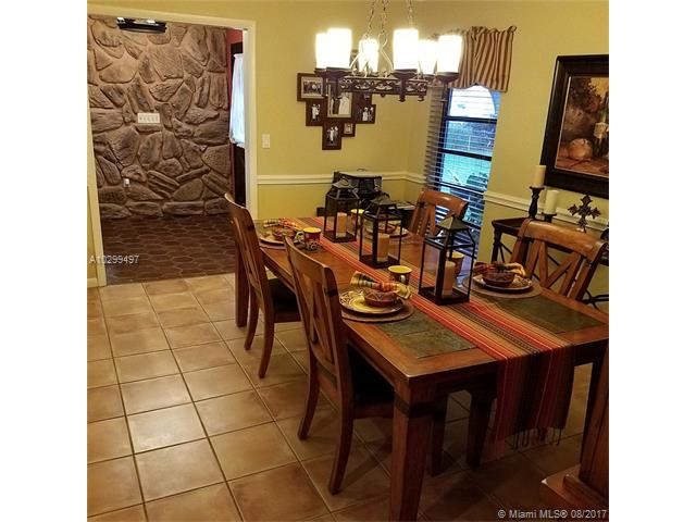 Single-Family Home - Unincorporated Dade County, FL (photo 5)