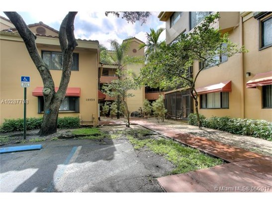 Condo/Townhouse - Miami Lakes, FL (photo 2)