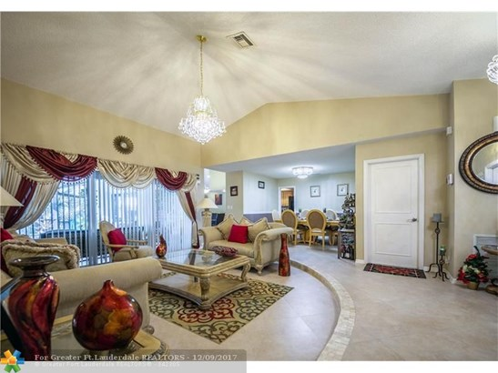 3816 Nw 71st Dr, Coral Springs, FL - USA (photo 3)