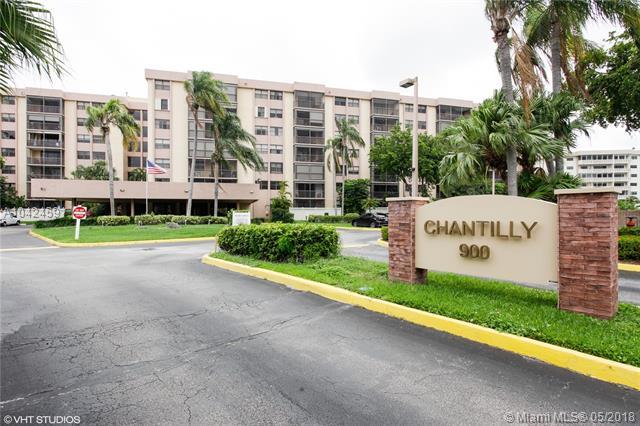 900 Ne 195th St  #612, Miami, FL - USA (photo 1)
