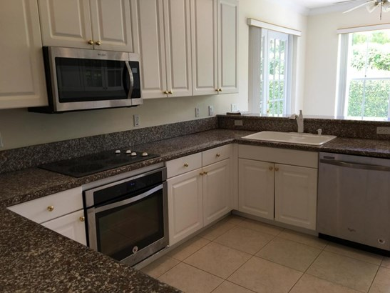 Condo/Townhouse - Hypoluxo, FL (photo 5)