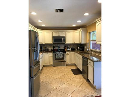 10680 Nw 6th Ct, Coral Springs, FL - USA (photo 1)
