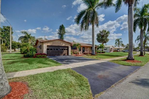 4461 Nw 9 Street, Coconut Creek, FL - USA (photo 2)