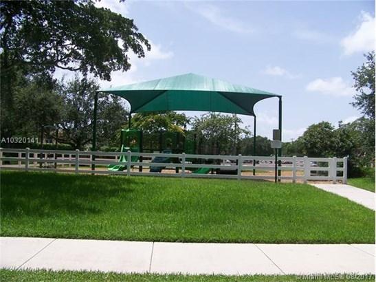 Condo/Townhouse - Cooper City, FL (photo 4)