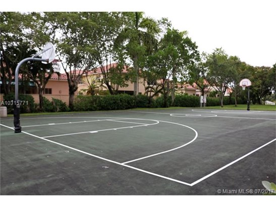 Condo/Townhouse - Miramar, FL (photo 2)