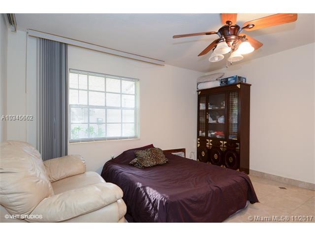 1625 Dewey St, Hollywood, FL - USA (photo 4)