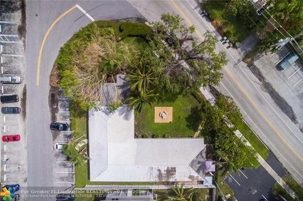 1311 Bayview Dr, Fort Lauderdale, FL - USA (photo 3)