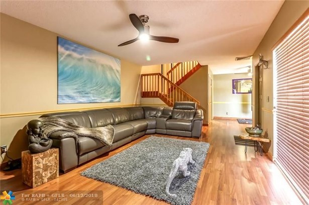2801 Waterford Dr #2801, Deerfield Beach, FL - USA (photo 2)