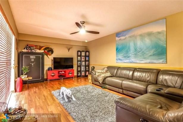 2801 Waterford Dr #2801, Deerfield Beach, FL - USA (photo 4)