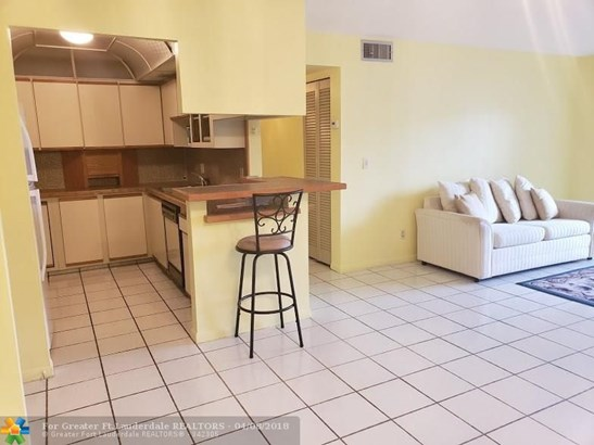 8140 Sw 24th St #104, North Lauderdale, FL - USA (photo 1)