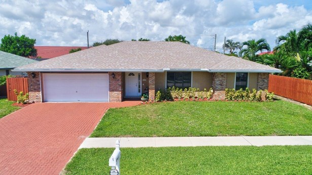 Single-Family Home - Lantana, FL (photo 1)