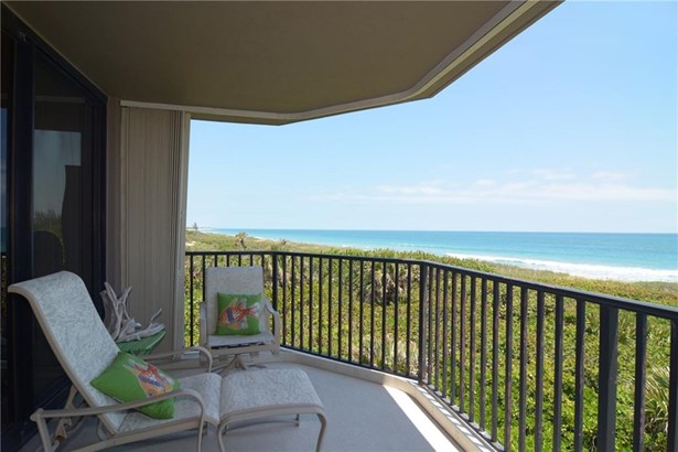 Condo/Townhouse - Hutchinson Island, FL (photo 1)