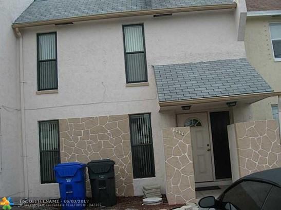 Condo/Townhouse - North Lauderdale, FL (photo 2)