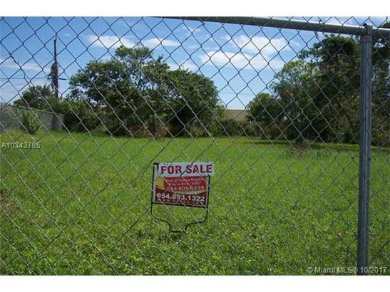 Nw 18 Terr Nw 18 Terr, Oakland Park, FL - USA (photo 1)