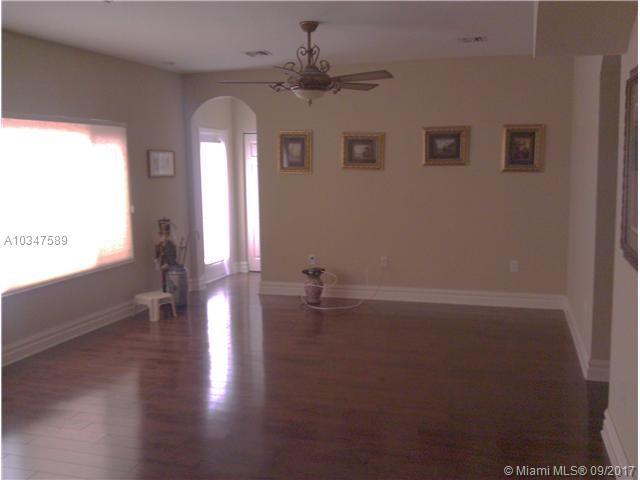 1085 Ne 36th Ave, Homestead, FL - USA (photo 3)
