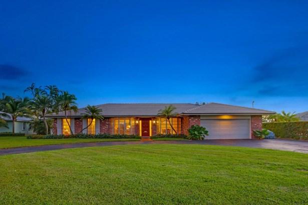 1104 Country Club Circle, North Palm Beach, FL - USA (photo 4)