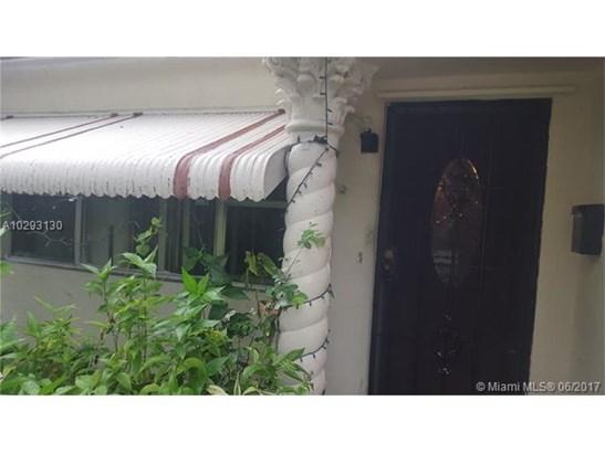 Single-Family Home - North Miami, FL (photo 2)