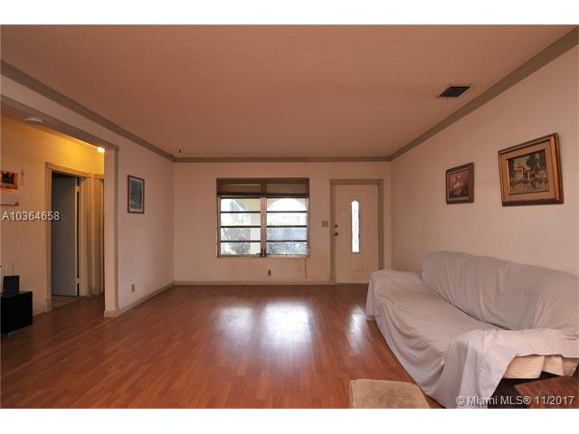 7481 Lincoln St, Hollywood, FL - USA (photo 2)