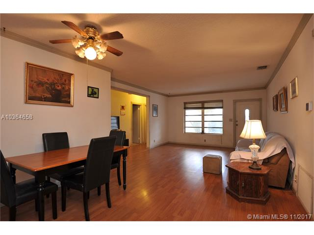 7481 Lincoln St, Hollywood, FL - USA (photo 4)