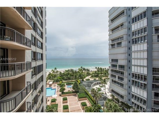 Condo/Townhouse - Bal Harbour, FL (photo 2)