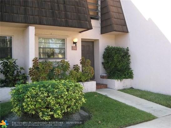1566 Nw 89th Ter #1566, Pembroke Pines, FL - USA (photo 1)