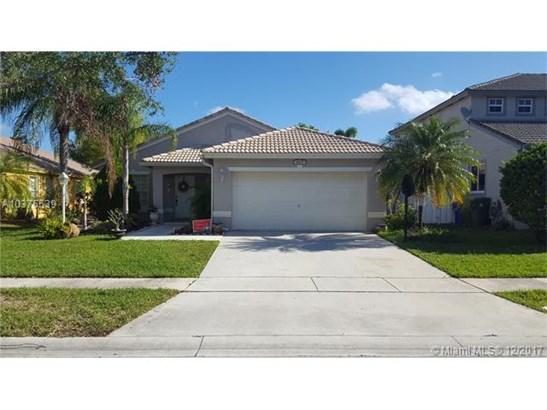 1627 Nw 144th Way, Pembroke Pines, FL - USA (photo 2)