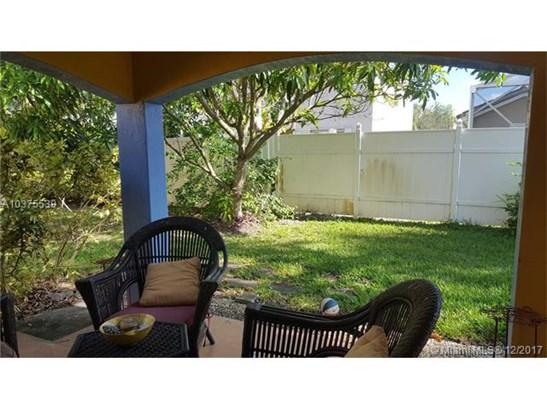 1627 Nw 144th Way, Pembroke Pines, FL - USA (photo 4)