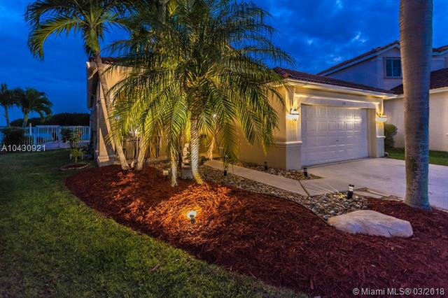 570 Willow Bend Rd, Weston, FL - USA (photo 1)