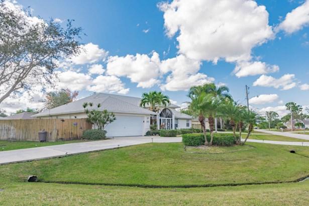 5820 Nw Begonia Avenue, Port St. Lucie, FL - USA (photo 5)