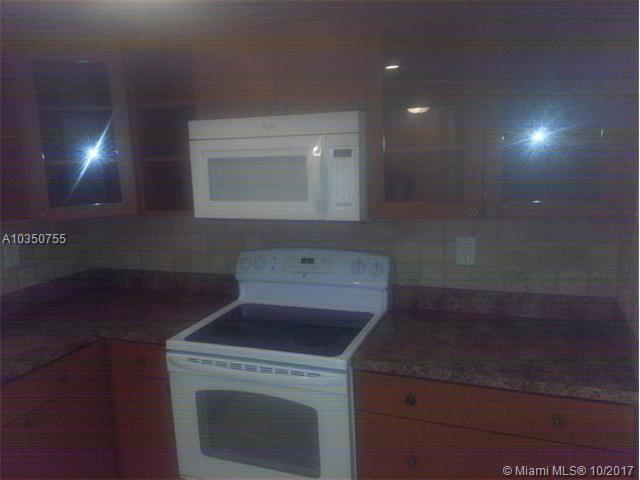 1830 N Lauderdale Ave, North Lauderdale, FL - USA (photo 3)