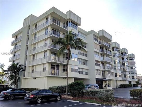 16570 Ne 26th Ave  #2c, North Miami Beach, FL - USA (photo 1)