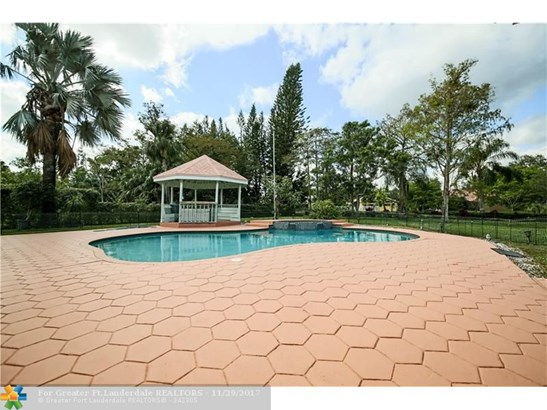 5200 Whisper Dr, Coral Springs, FL - USA (photo 4)