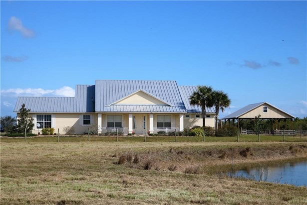 20009 Southern Star Drive 20009, Fort Pierce, FL - USA (photo 1)