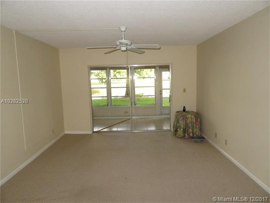 1030 Country Club Dr, Margate, FL - USA (photo 5)