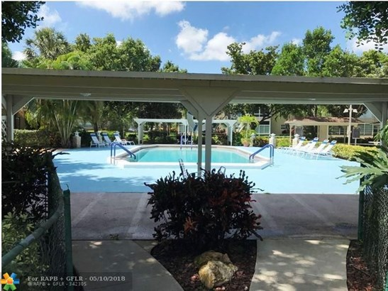 5002 Nw 35th St #209, Lauderdale Lakes, FL - USA (photo 3)