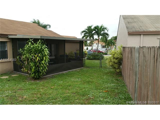 2421 Sw 82nd Ave, Miramar, FL - USA (photo 2)