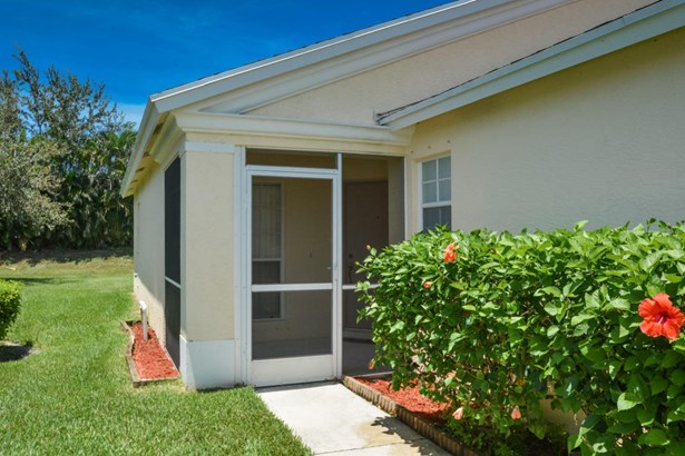 330 Sw North Shore Boulevard, Port St. Lucie, FL - USA (photo 3)