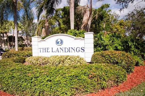 2136 Nw 171st Ter  #2136, Pembroke Pines, FL - USA (photo 3)