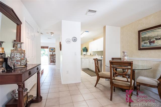 2136 Nw 171st Ter  #2136, Pembroke Pines, FL - USA (photo 5)