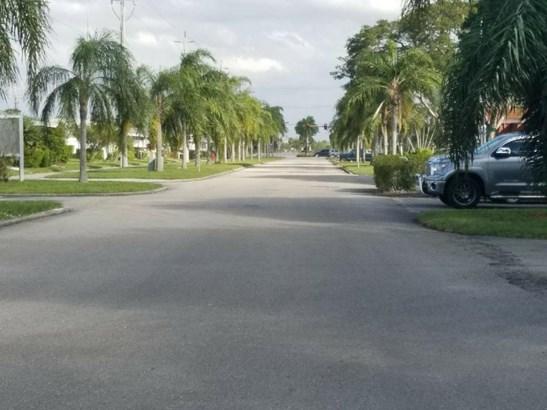 12005 Poinciana Boulevard Unit 101, Royal Palm Beach, FL - USA (photo 4)