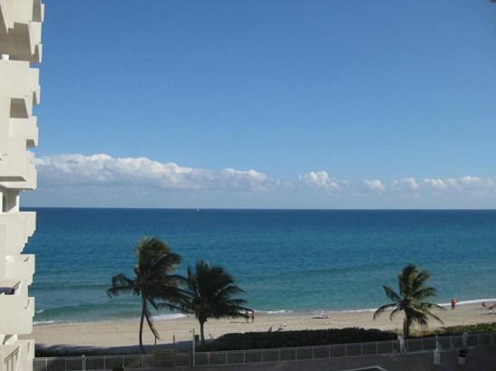 3215 S Ocean Boulevard Unit 405, Highland Beach, FL - USA (photo 2)