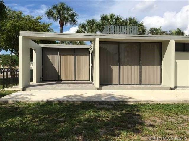 6460 Miami Lakes Dr, Miami Lakes, FL - USA (photo 1)