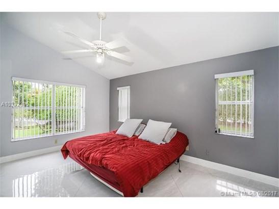 2620 Oak Park Cir, Davie, FL - USA (photo 4)