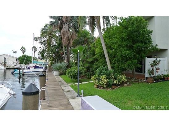 16521 Ne 26th Ave, North Miami Beach, FL - USA (photo 1)