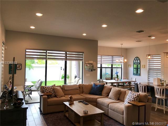 Rental - Hialeah Gardens, FL (photo 2)