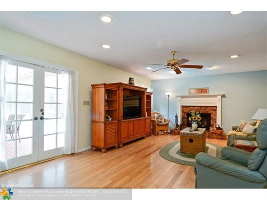 2500 Nw 106th Ave, Coral Springs, FL - USA (photo 4)