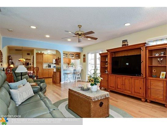 2500 Nw 106th Ave, Coral Springs, FL - USA (photo 5)