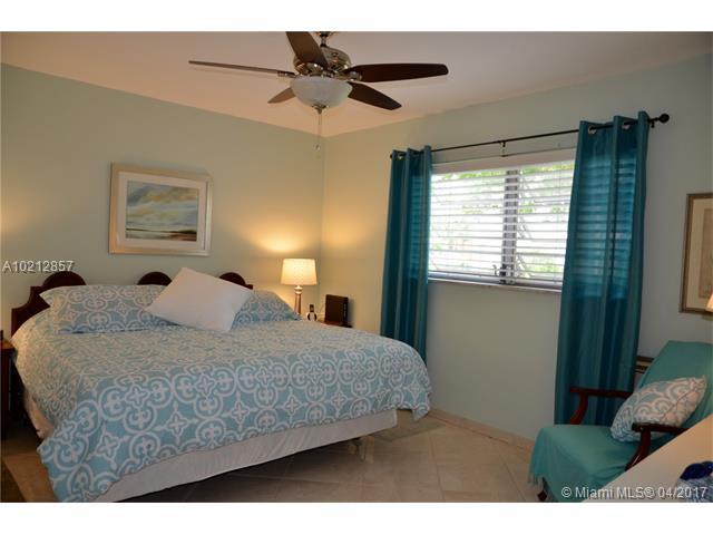 17090 Ne 14th Ave, North Miami Beach, FL - USA (photo 1)