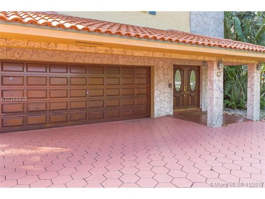 1330 N Royal Poinciana Blvd, Miami Springs, FL - USA (photo 4)