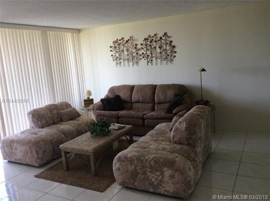3821 Environ Blvd  #509, Lauderhill, FL - USA (photo 5)